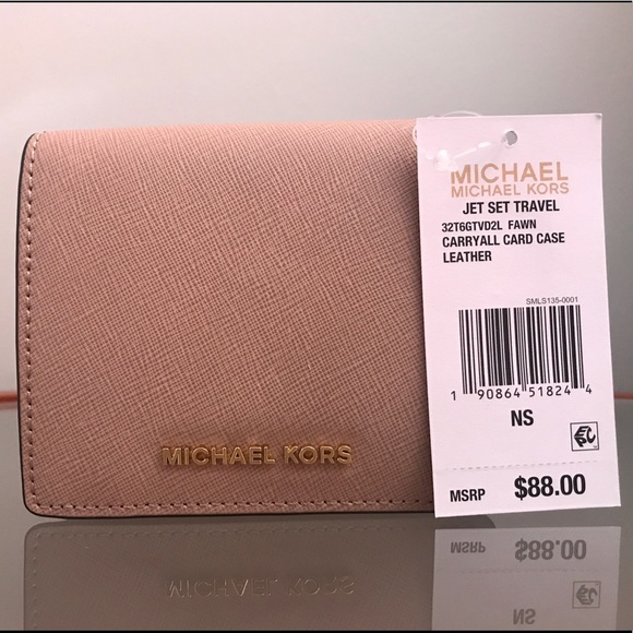 competitive price bf760 6dd03 SALE‼️MICHAEL KORS JET SET TRAVEL CARD CASE NWT