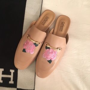Rose Embroidered Loafers size 9