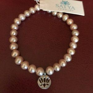SATYA Jewelry Lotus Pink Freshwater pearl Bracelet