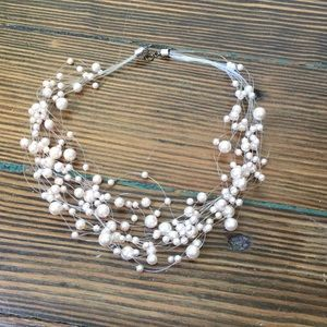 Jewelry - Faux Pink pearl illusion necklace