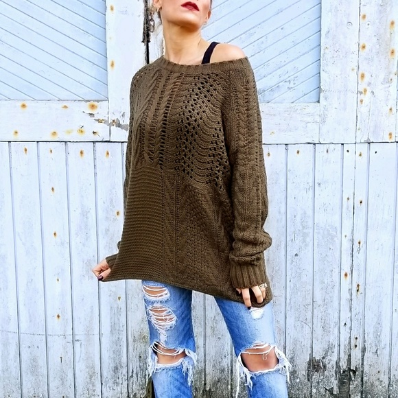 . Sweaters - OLIVE GREEN CHUNKY KNIT SWEATER