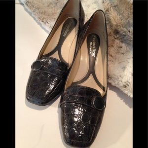 Naturalized loafer patent leather alligator