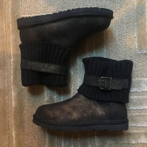 UGG - Cambridge knit buckle short boots