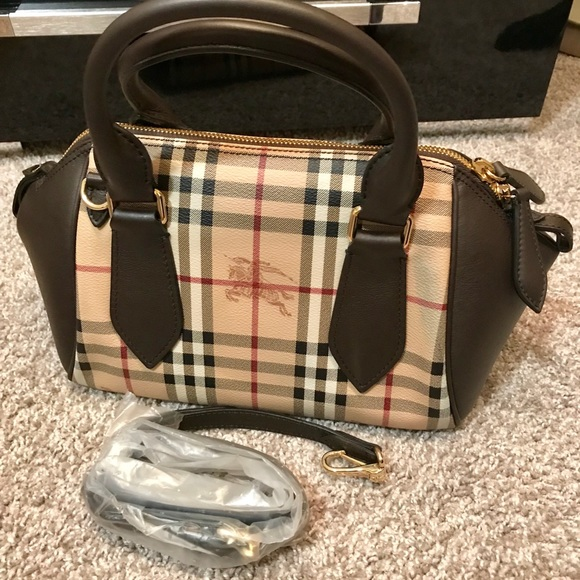 194e27227d8f Burberry Blaze house check satchel