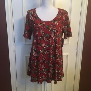 LuLaRoe Perfect t Size S Feather Print! NWT