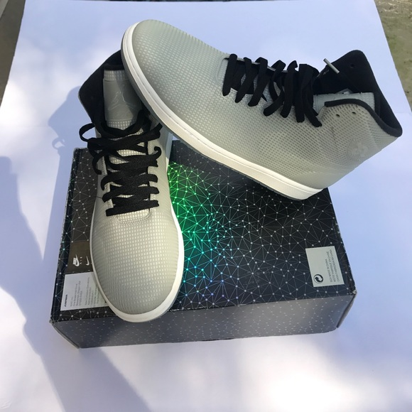 new product 32634 d0bfd Men s Air Jordan 4Lab1 size 10.5 brand New Glow!