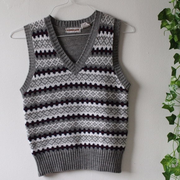 Vintage - Vintage 90s Grey and White Patterned Sweater Vest from ...