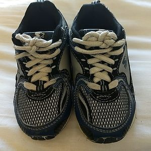 Boys sneakers size 8