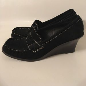 Leather Stitched Trim Slip Pull On Penny Loafers