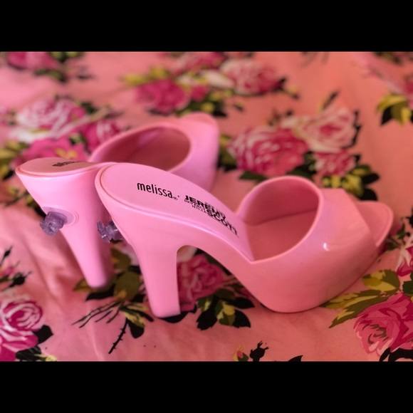 pink moschino shoes
