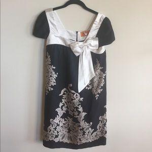 Vava by Joy Han black & gold 100% silk dress