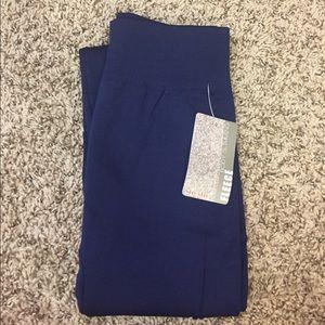 Pants - NWT Navy Body Slimming Fleece Lined Leggings