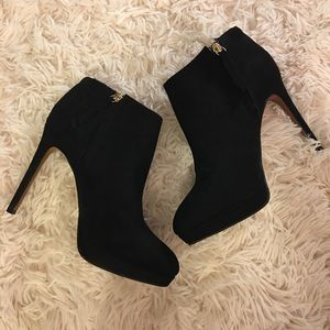 H&M black suede boots