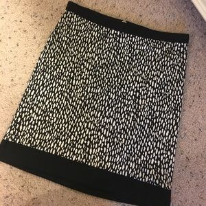 Rafaella Black/White Animal Print Skirt. Size 4P