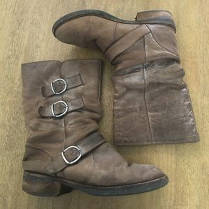 Matisse Distressed Buckle Brown Boots 7
