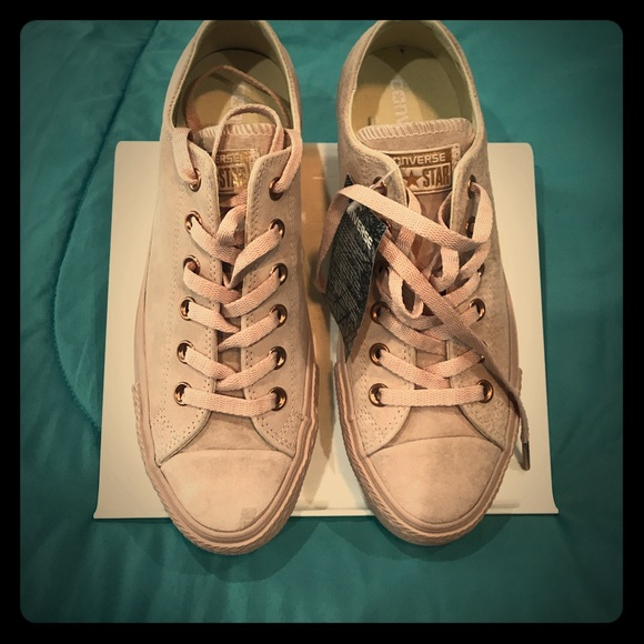 special for shoe high quality to buy Converse bisque rose gold low leather. Exclusive NWT