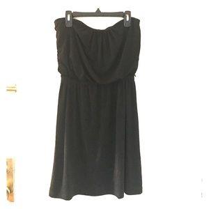 SALE 🌶 Black strapless dress