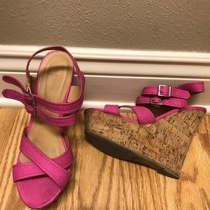 Hot pink wedges 7.5