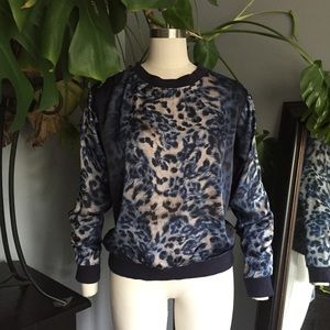 Vince Camuto blue leopard print silky sweatshirt S