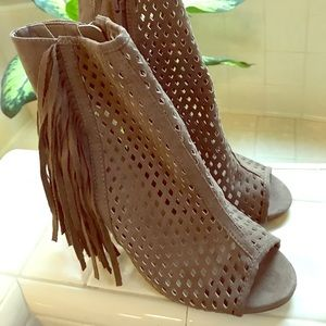 Sexy JustFab boots in neutral tan with tassels