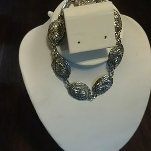 Jewelry - 925 Sterling silver, oval concho link bracelet