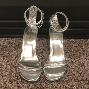 NWOT silver strappy heels
