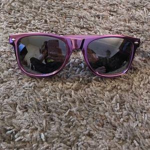 Metallic Purple Sunglasses 🕶