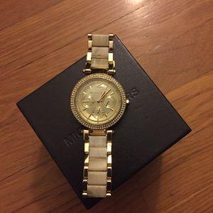• Michael Kors • Parker Gold Tone Shell Watch