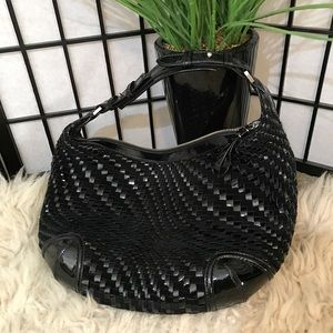 Handbags - 💖Black Woven Patent Leather Purse