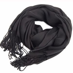 Accessories - New! 100% pashmina. Black scarf.