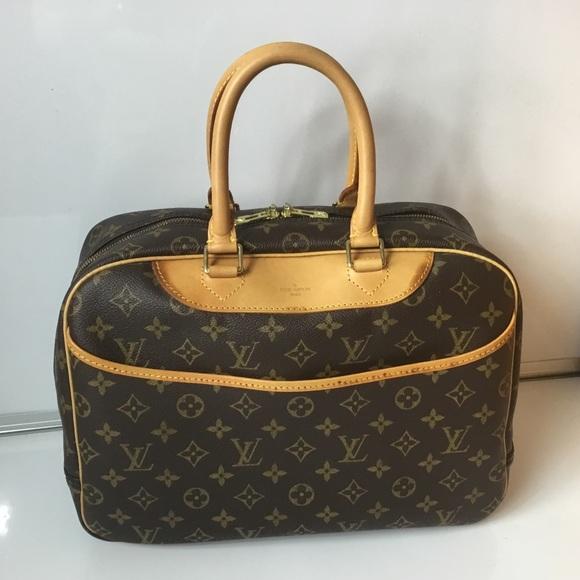 cd57864ad57e Louis Vuitton Handbags - 100% Authentic Louis Vuitton Mono 1994 Deauville