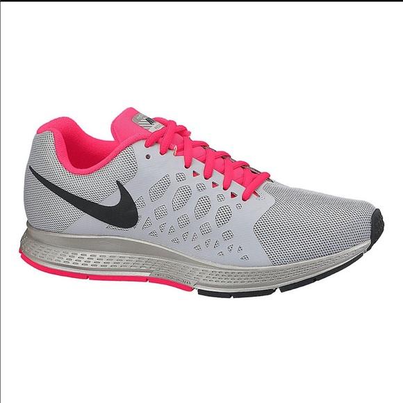 Women's Nike Pegasus 31 Size 8.5