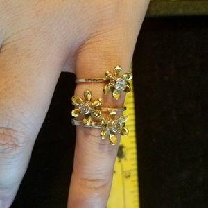 Jewelry - Cubic Zirconia Flower SS Ring