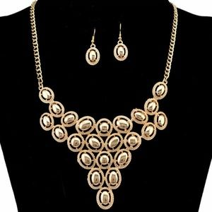 TRENDY NECKLACE AND EARRINGS TUB1