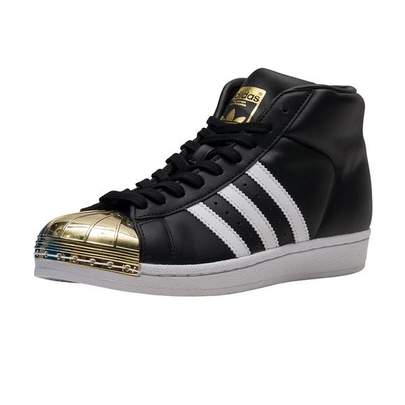 Le Adidas Superstar Del Metallo Raro Modello La Dimensione 7 Poshmark