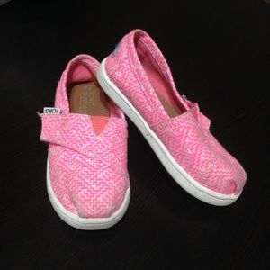 TOMS Girls Pink And White Slip On Shoes size 8T