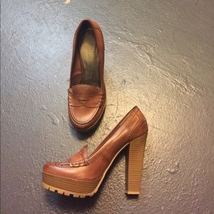 Mia shoes preowned