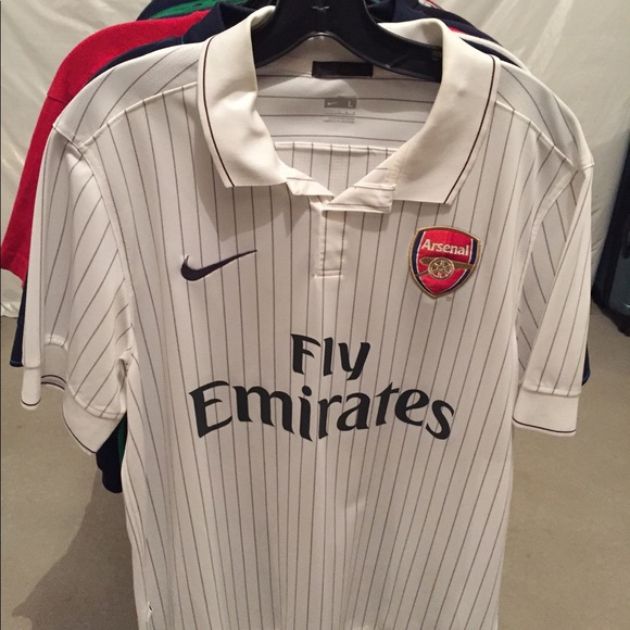 a070335c7 2009 10 Nike Arsenal 3rd Kit Top White Large. M 59f4929199086ad5e600f333