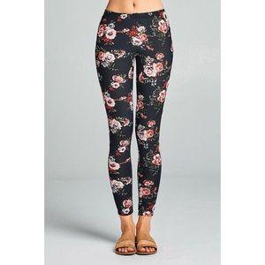 LAST ONE!! Floral Print Leggings