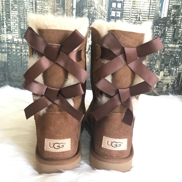 bd3879f9adf ✨UGG Women Bailey Bow II Boots in Chestnut ✨