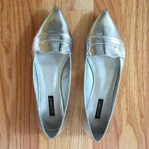 Shoemint Silver Flats