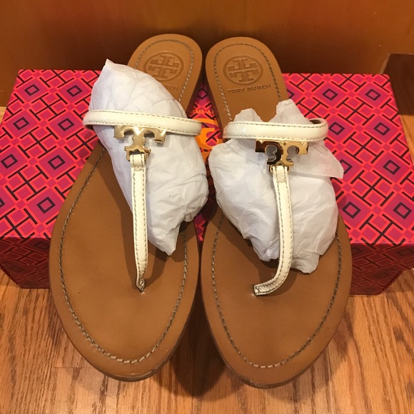 1eb6eea992ee54 Tory Burch T Logo Flat Thong White Sandals size 8.  M 59f4a93213302af442014a86