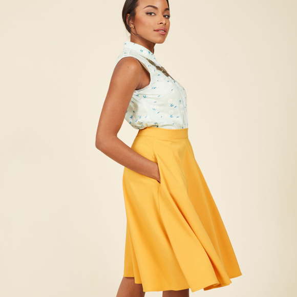 61d887a621 MODCLOTH Just This Sway Yellow Swing Skirt XS NEW.  M_59f4b0b27fab3a6540017368