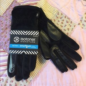 Accessories - Isotoner Signature Gloves