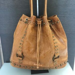 Charles David NWT tan crinkled patent leather  XL