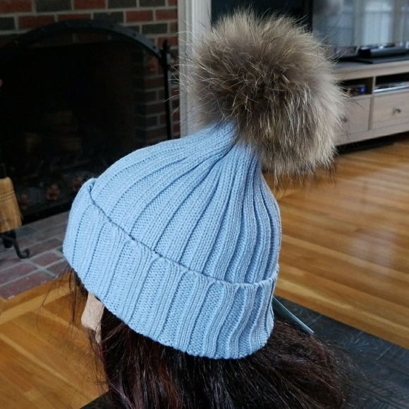 3d7d82e3388 Amazing Blue Ribbed Knit Hat w Genuine Fur Pompom
