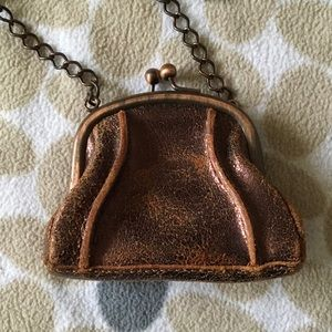 Kisslock Distressed Bronze Leather & Chain 👛