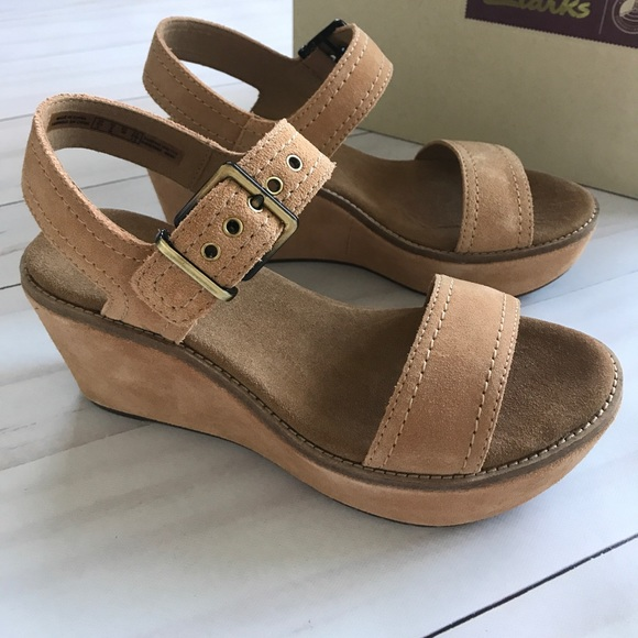 aeafd3d80b8 Clarks Aisley Orchid Light Tan Suede Sandals 8 New