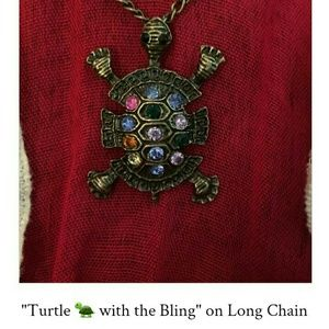 Jewelry - Cute blingy Turtle 🐢 on a long chain