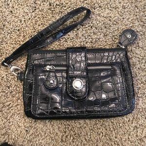 Handbags - 🌈FREE WITH PURCHASE🌈 Snakeskin print wristlet